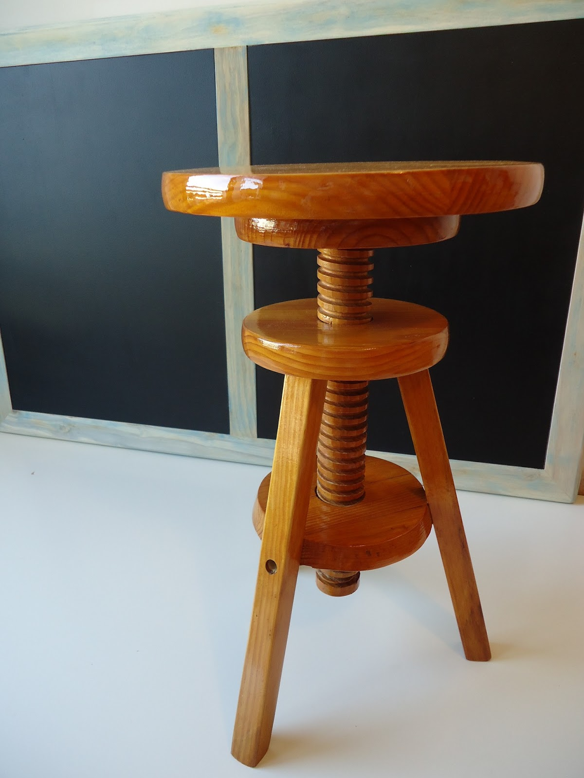T bano vintage taburete pintor de madera tono miel vendido - Taburete madera regulable ...
