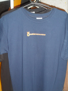 camisa com estampa de tinta ouro hidrometalica