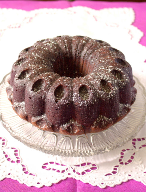 Nutella Chocolate Milkshake Bundt Cake - with a tunnel of Nutella hidden inside