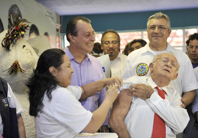 Governador Omar Aziz diz que 450 mil pessoas serão vacinadas contra a gripe
