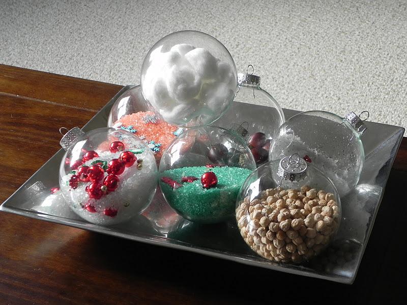 Play at home mom llc christmas sensory and i spy ornaments - Centros navidenos originales ...