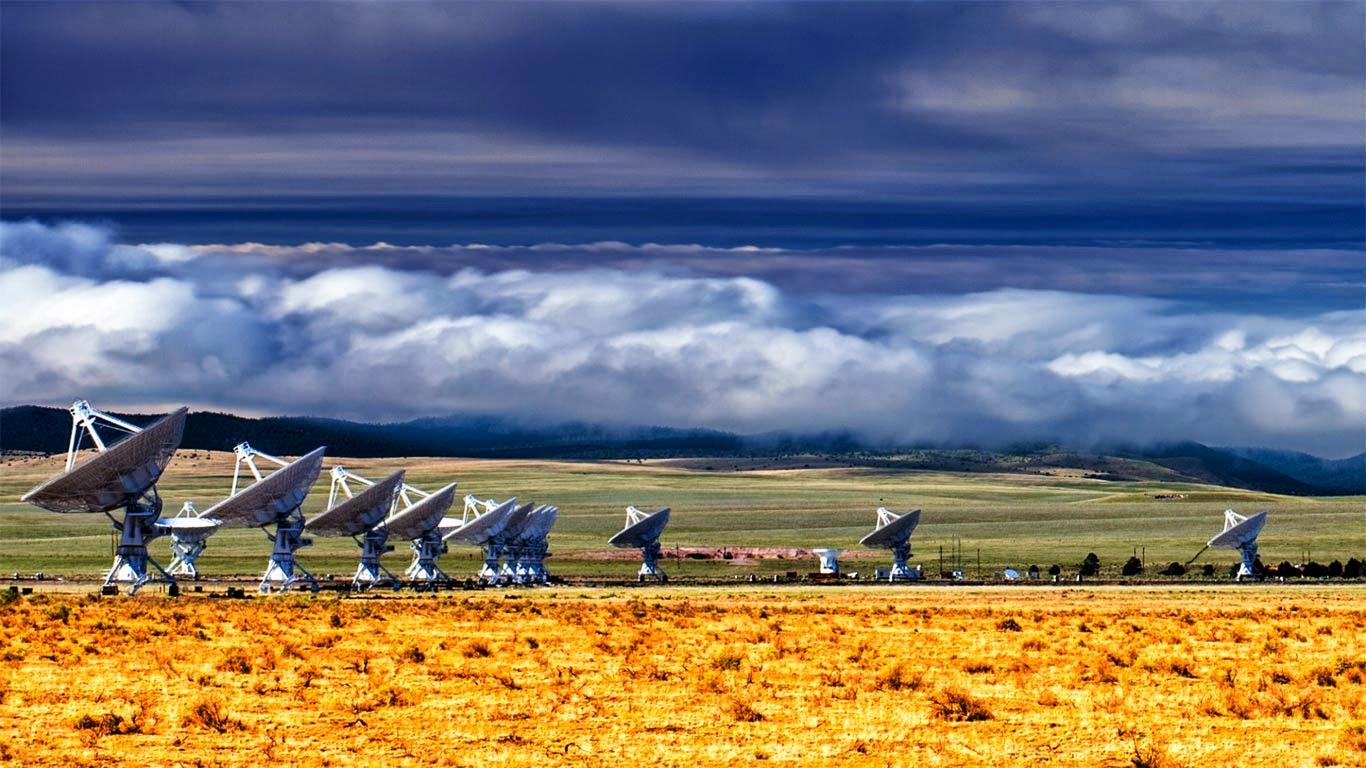The Karl G. Jansky Very Large Array (VLA) radio telescope, west of Socorro, New Mexico (© Ilya Terentyev/Getty Images) 157