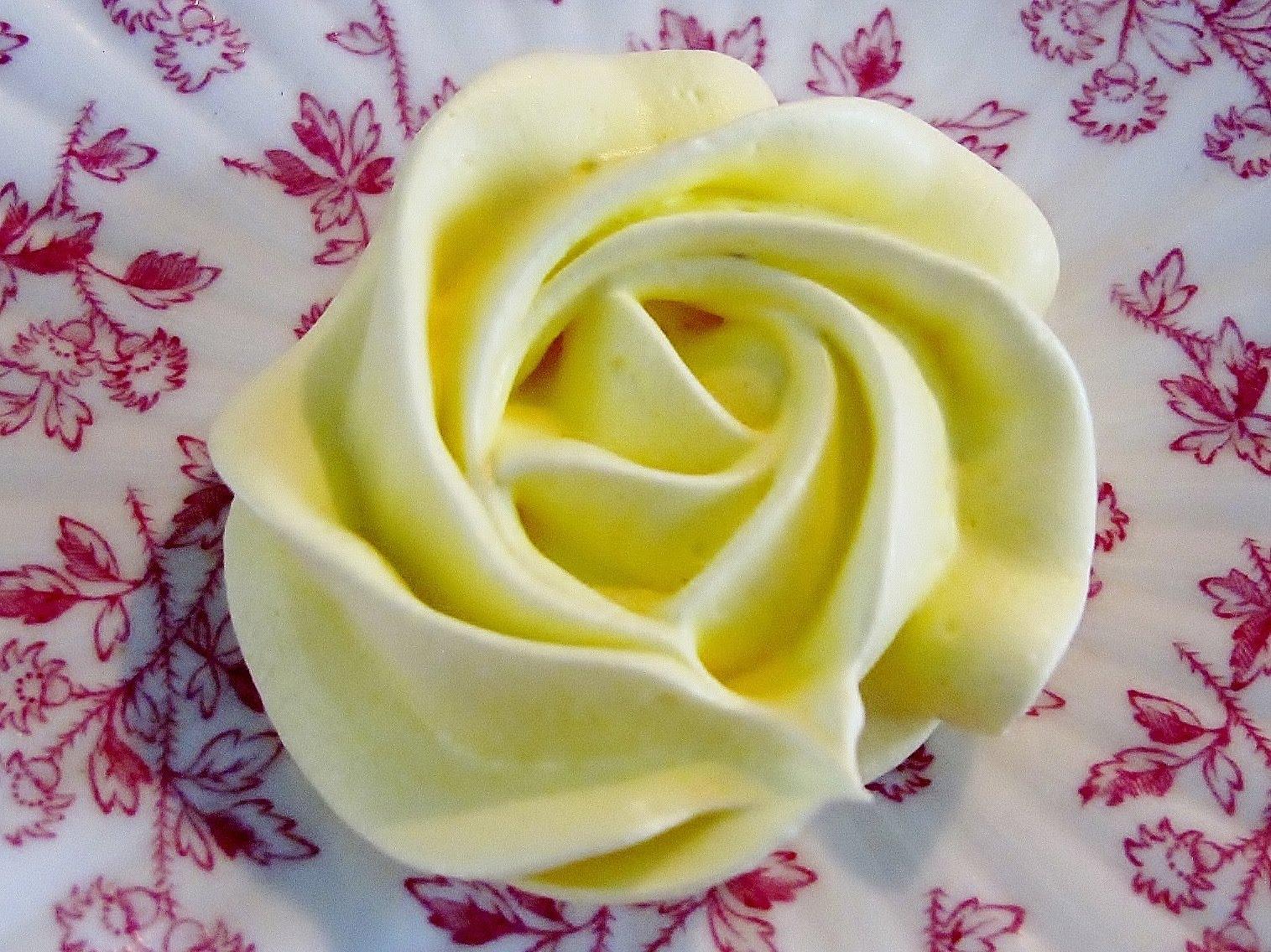 Morning Glory Bakes: Lemon Meringue Cookies