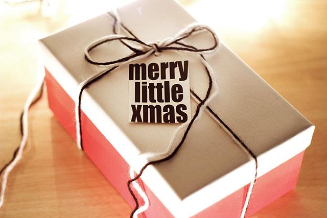 Holiday gift tags (free printable!)