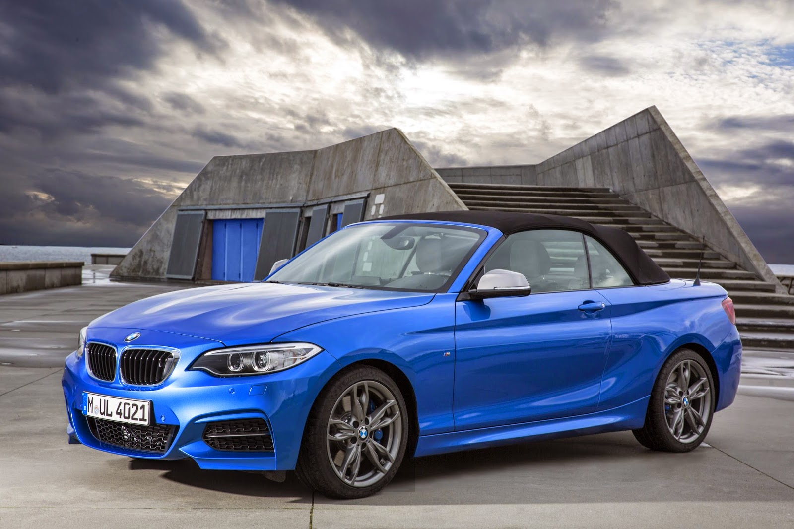 BMW M235i Convertible roof up
