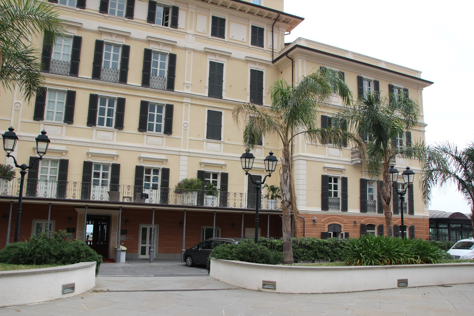 Blumenriviera italien ligurien for Hotel milano alassio