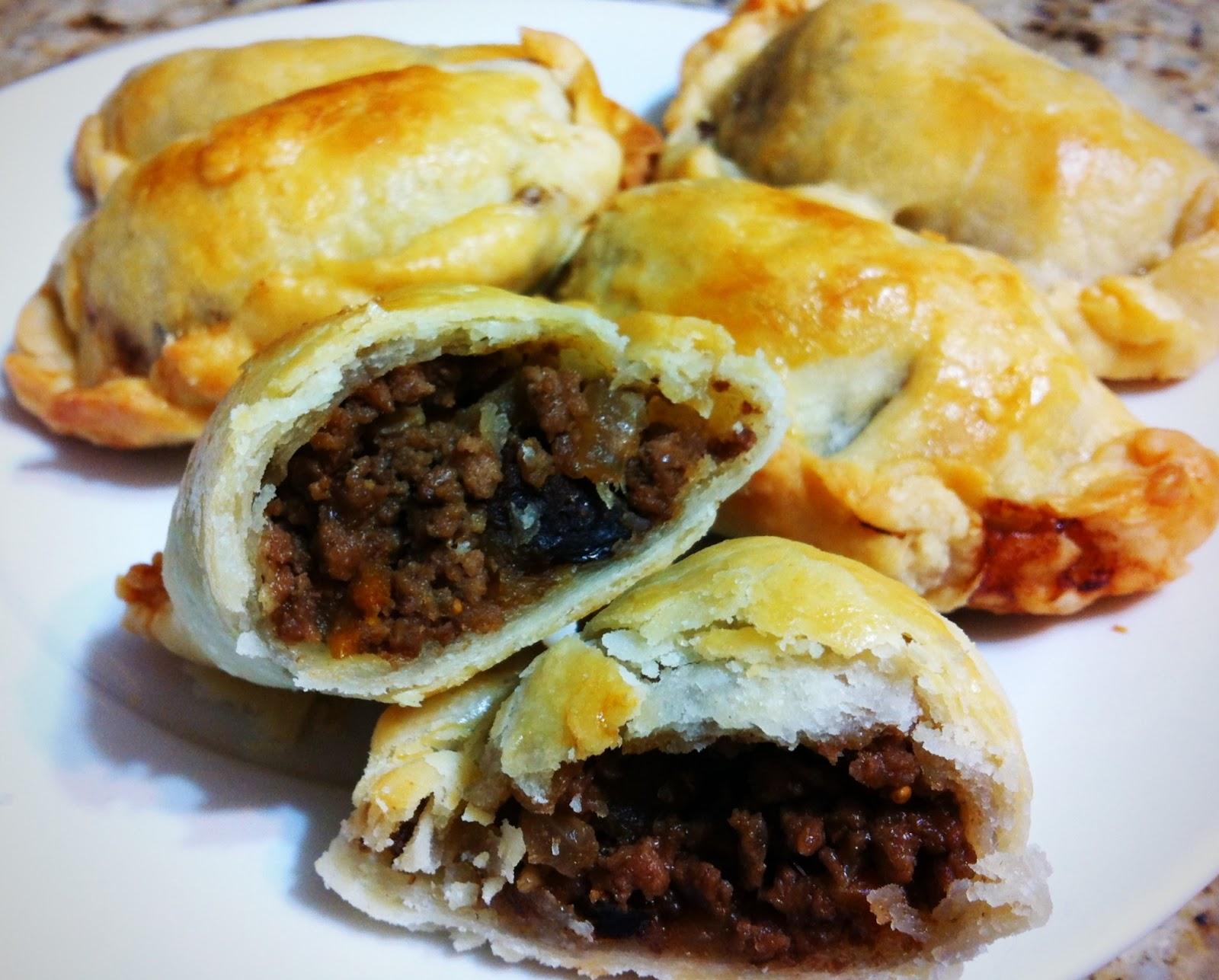 Candice's Cusina: Aunt Pat's Baked Empanadas