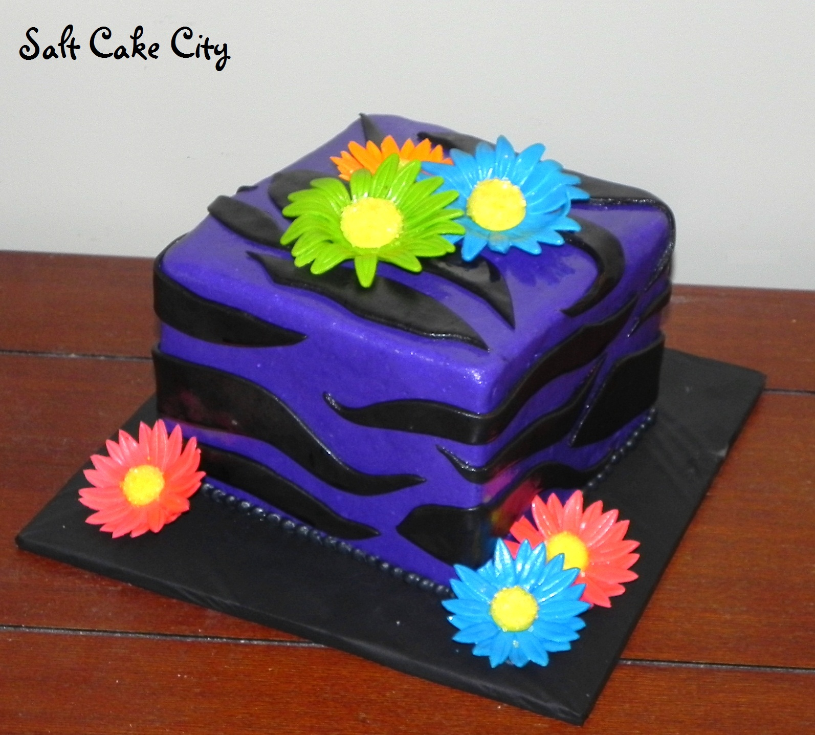 Purple Zebra Cake Design : Salt Cake City: Purple Zebra and Flowers!