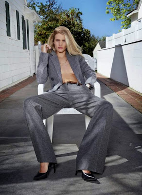 Rosie Huntington-Whiteley looks stunning beauty in V Magazine Summer 2014