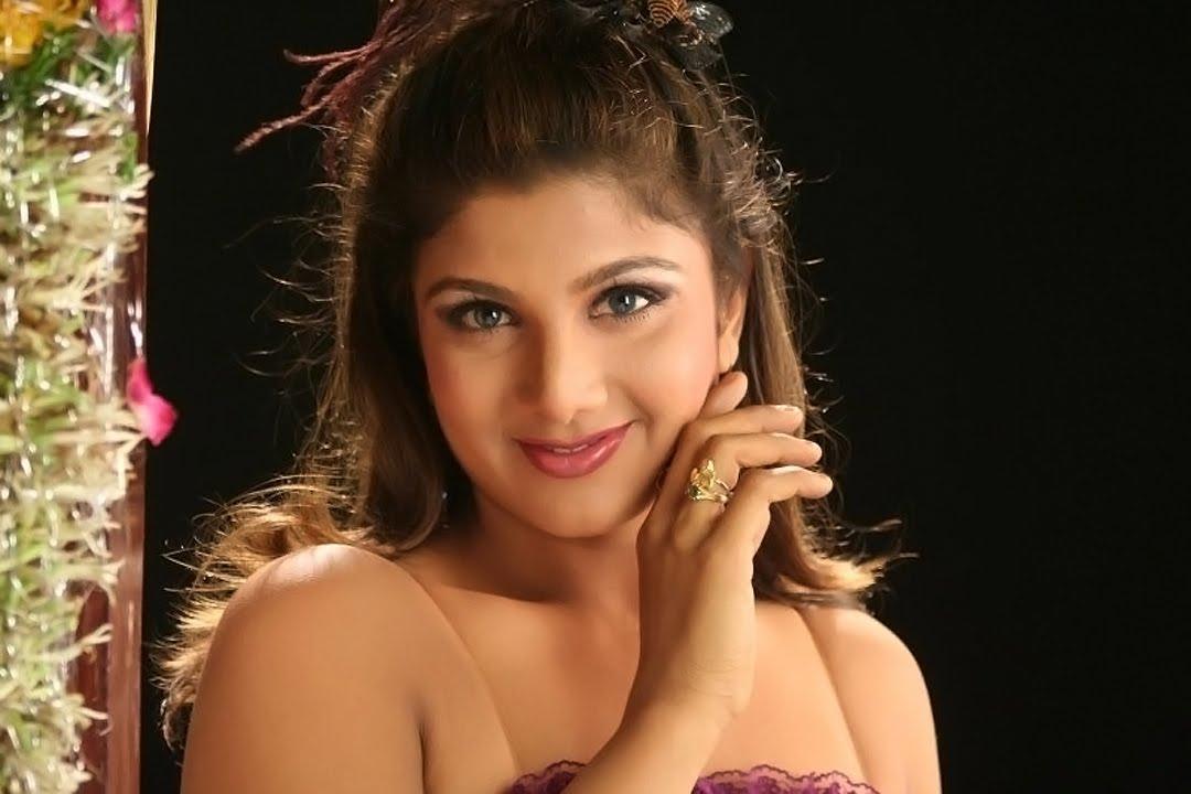 sexy vidos kommer xmovies tamil