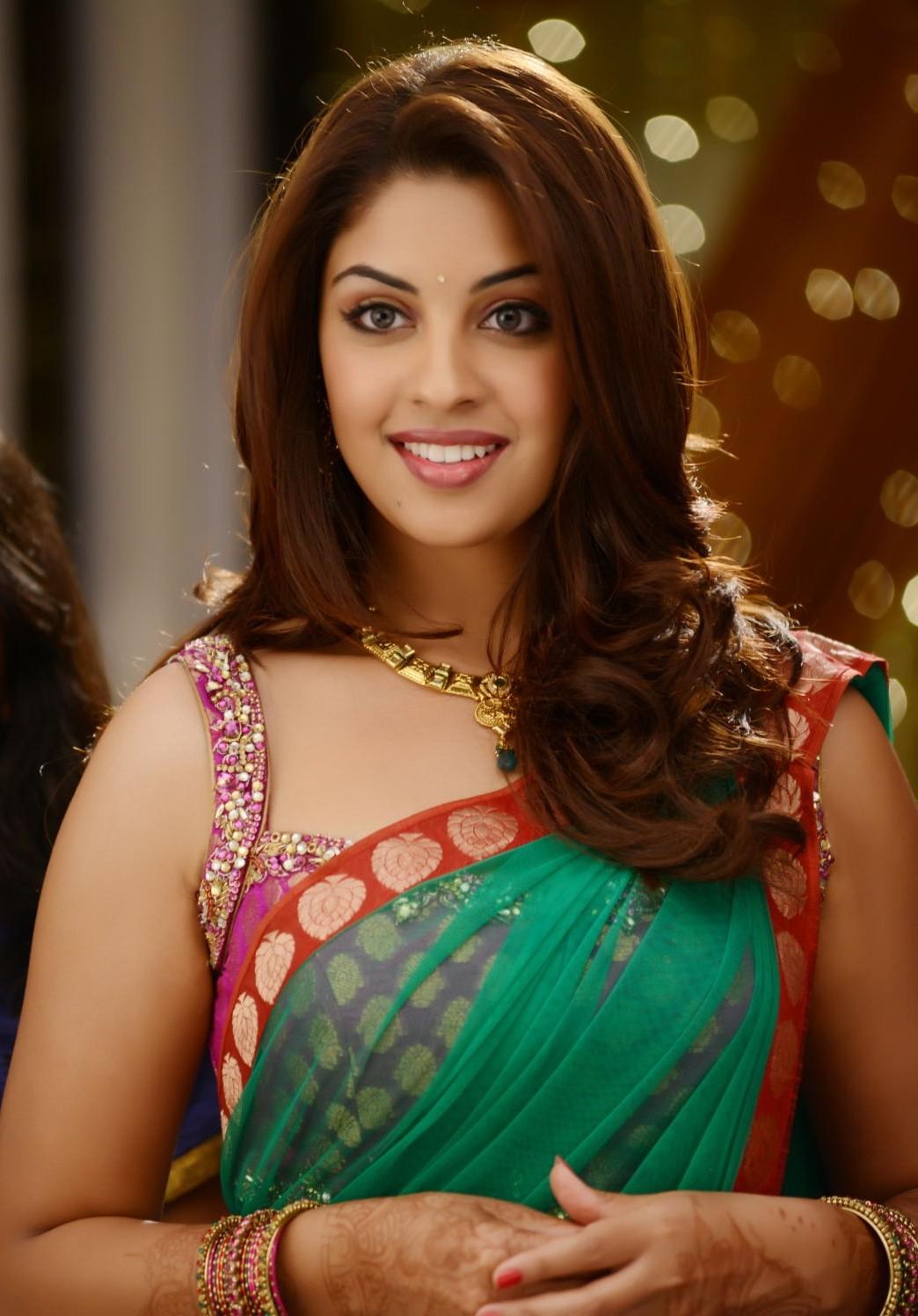 richa gangopadhyay in saree from telugu movie electrihot