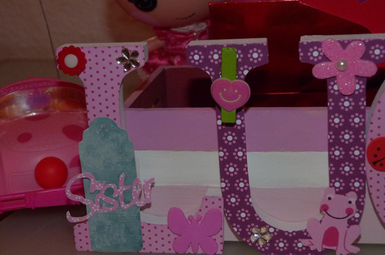 Mariposas de papel letras de madera decoradas for Cajas de carton pequenas decoradas