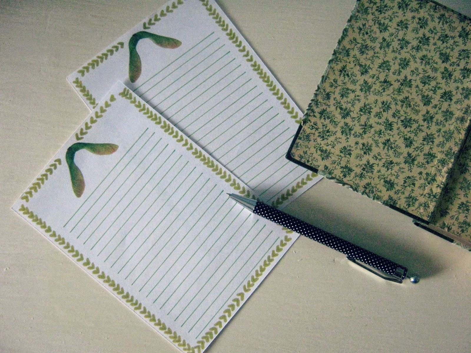Free Sycamore Notepaper