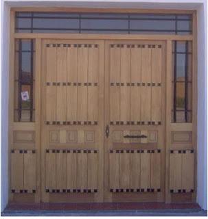 Fotos y dise os de puertas dise o de puerta de madera for Disenos puertas de madera exterior