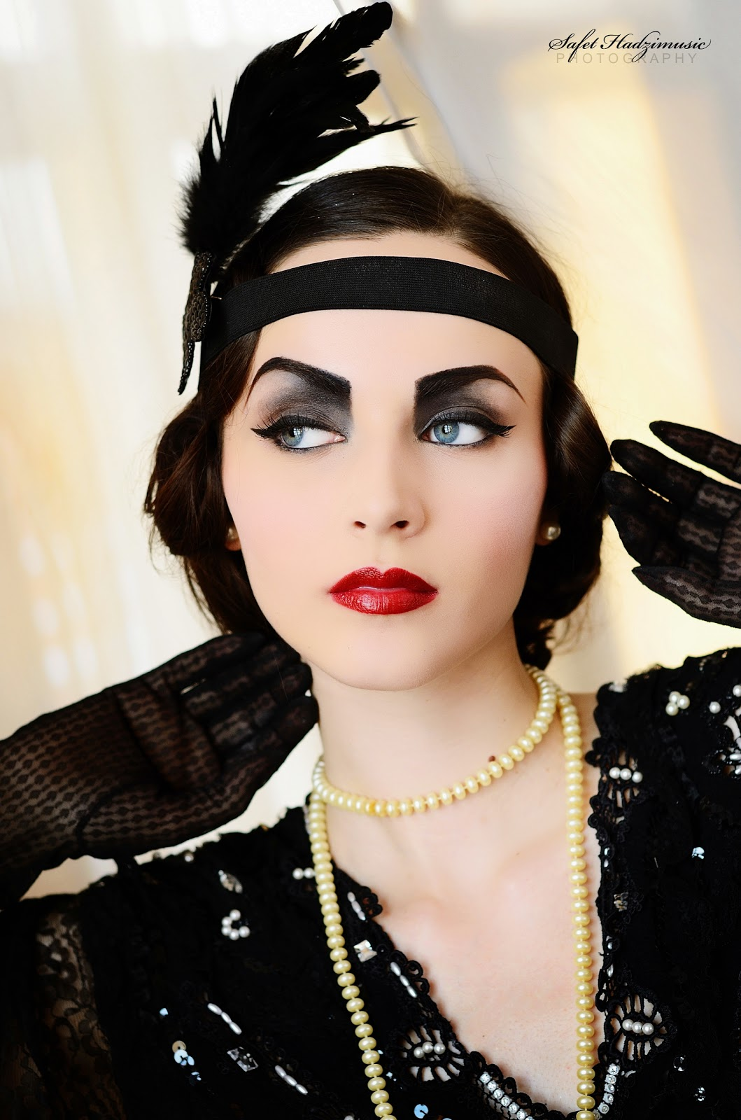 1920 Flapper Girl Makeup