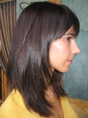 félhosszú haj