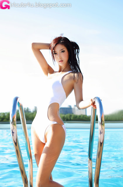 Li-Ying-Zhi-White-Monokini-03-very cute asian girl-girlcute4u.blogspot.com