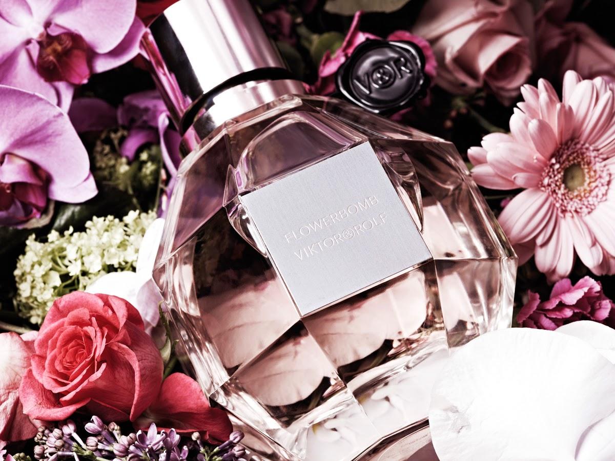 http://ro.strawberrynet.com/perfume/viktor---rolf/flowerbomb-eau-de-parfum-spray/46384/#DETAIL