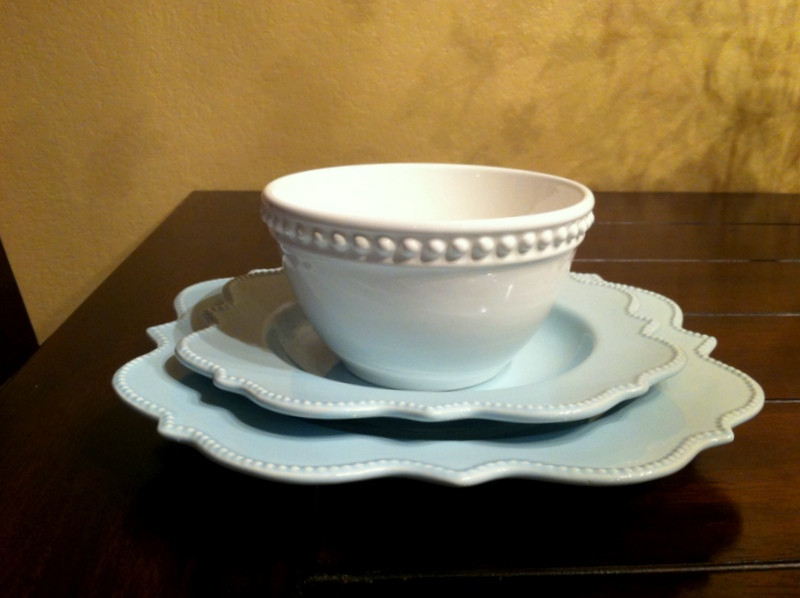 I got 2 light blue plates and a white bowl for each setting. I\u0027ve got big plans for my dining table hope to show them to you soon! & Copy Cat Looks: Light Blue and White Dishes: My Copy Cat Look