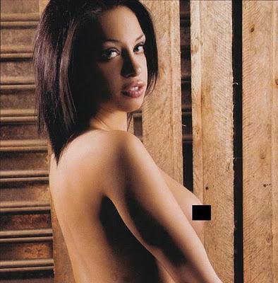 Fotos de Noni Doll Maxim Octubre 2011