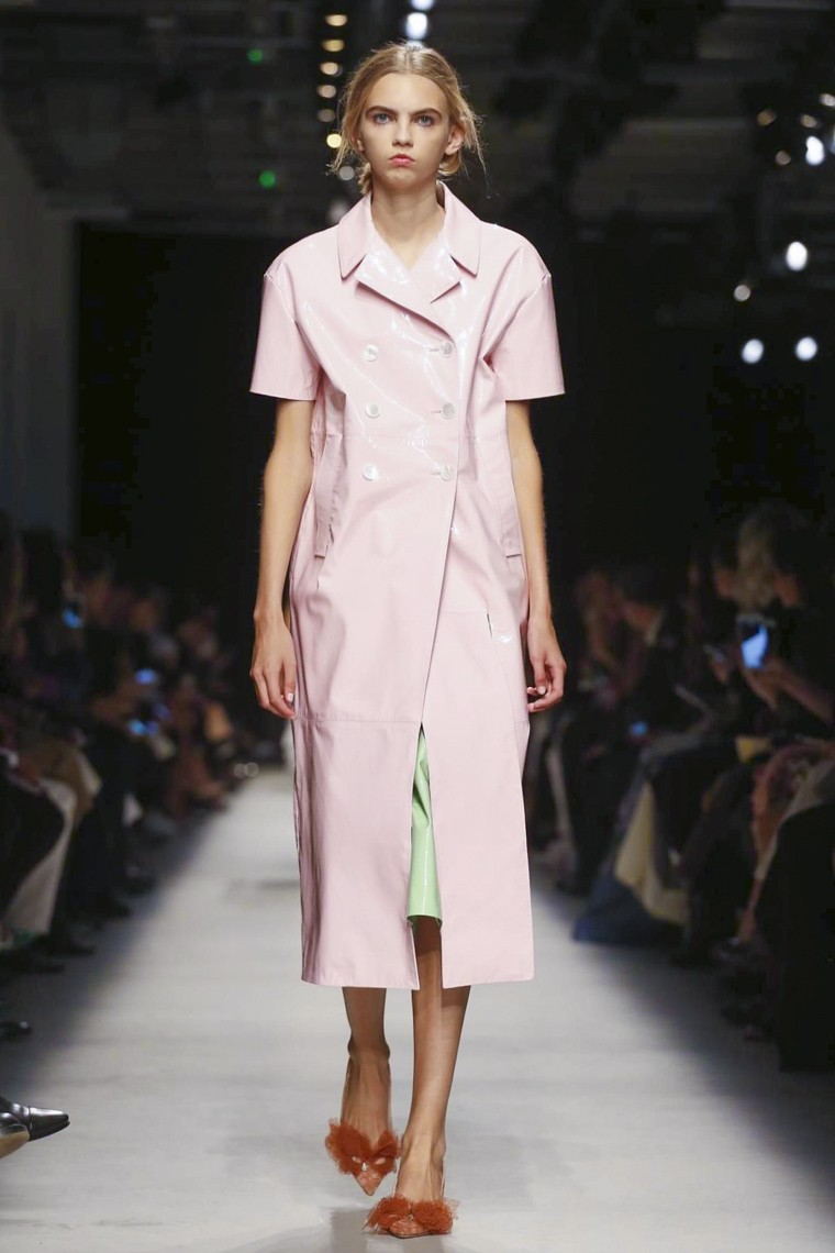 rochas, rochas-ss16, rochas-spring-summer, rochas-spring-summer-2016, rochas-spring, rochas-printemps-eté, rochas-printemps-ete-2016, du-dessin-aux-podiums, dudessinauxpodiums, vintage-look, dress-to-impress, dress-for-less, boho, unique-vintage, alloy-clothing, venus-clothing, la-moda, spring-trends, tendance, tendance-de-mode, blog-de-mode, fashion-blog, blog-mode, mode-paris, paris-mode, fashion-news, designer, fashion-designer, moda-in-pelle, ross-dress-for-less, fashion-magazines, fashion-blogs, mode-a-toi, revista-de-moda, vintage, vintage-definition, vintage-retro, top-fashion, suits-online, blog-de-moda, blog-moda, ropa, asos dresses, blogs-de-moda, dresses, tunique-femme, vetements-femmes, fashion-tops, womens-fashions, vetement-tendance, fashion-dresses, ladies-clothes, robes-de-soiree, robe-bustier, robe-sexy, sexy-dress