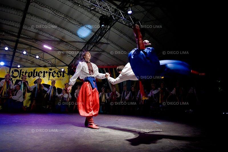 asombroso ucranio baile en Córdoba