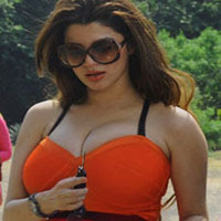 Kainaat Arora Hot Stills From Movie Grand Masti