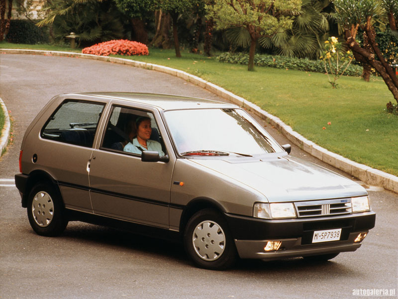 Hist ria do fiat uno italiano for Interno uno