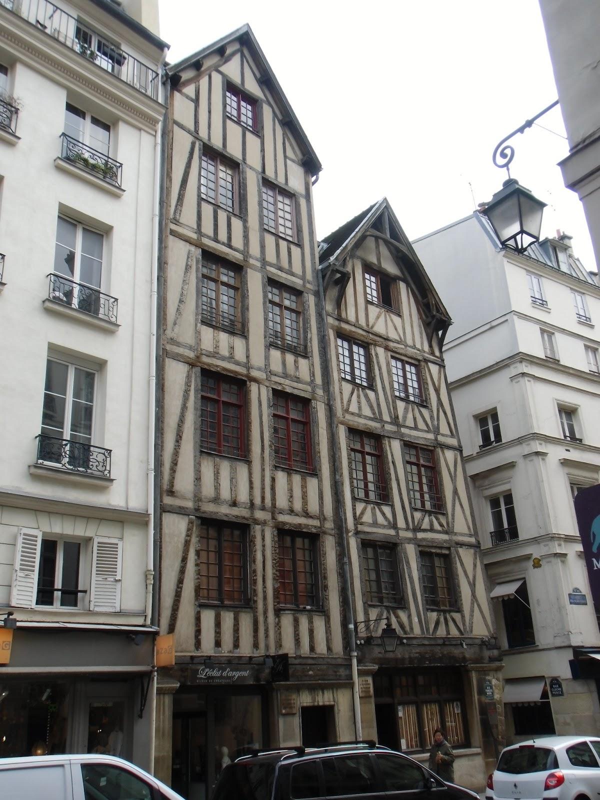La rte le p re d 39 ulysse la plus ancienne maison de paris for Ancienne maison close paris