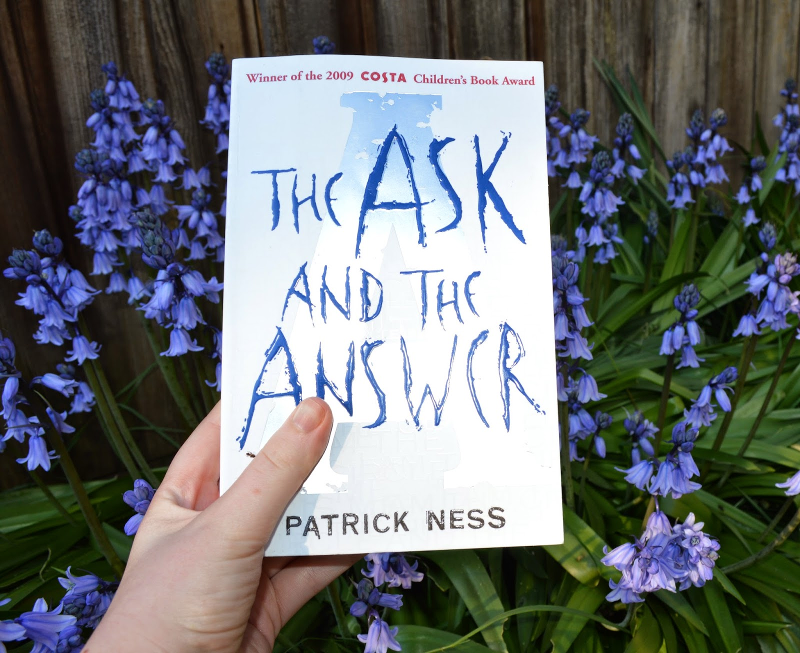 photo, photograph, UK edition, The Ask and the Answer, Monsters and Men, Chaos Walking, Patrick Ness, YA fiction, paperback, book cover, review spoilers