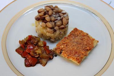 torretta di triglie e patate ai semi di anice, con bruschetta alla crema di pomodori secchi e cacioricotta e melanzane rosse in agrodolce