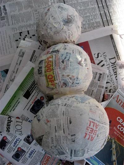 Como hacer mu eco de nieve utilizando papel reciclado - Cola para pegar papel ...