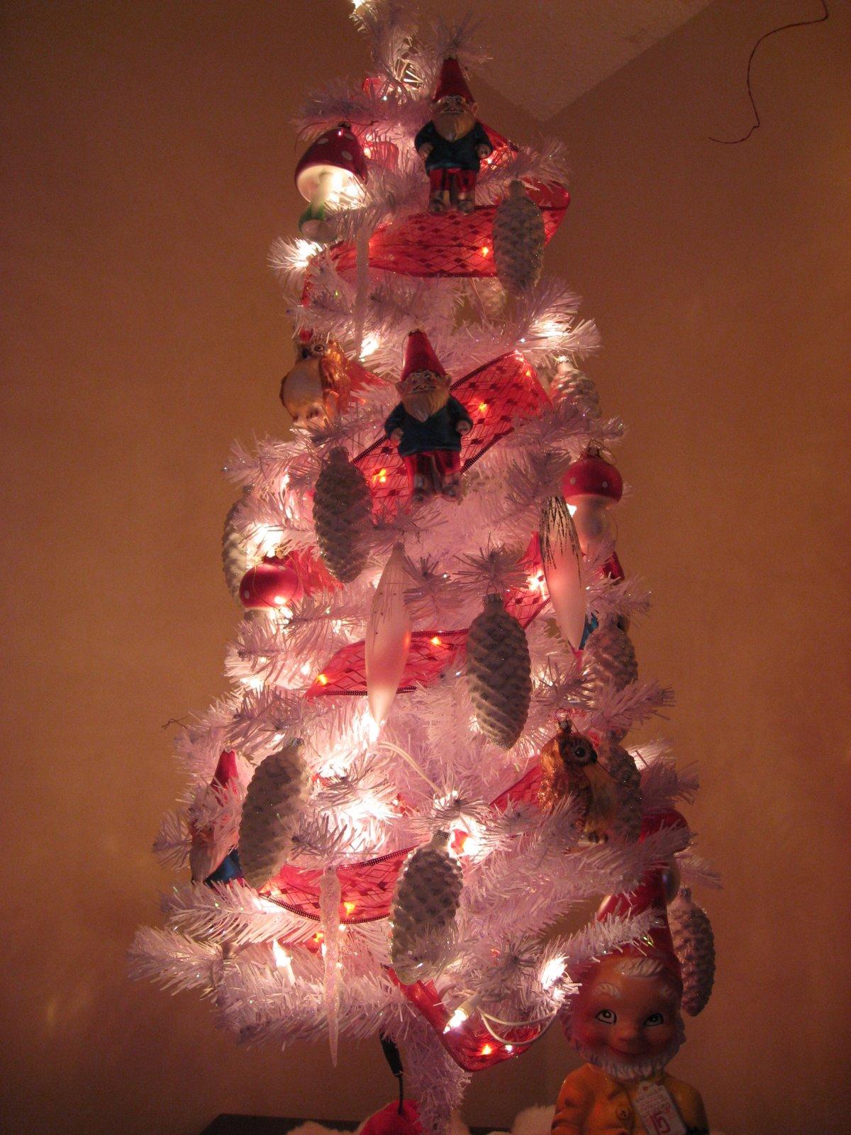 Copeland Christmas Blog: Gnome Christmas Tree