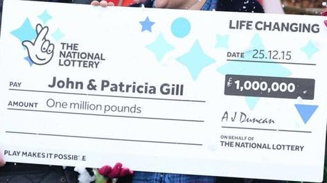 Heart-warming: Man Becomes Millionaire With 800 Naira (Photos)