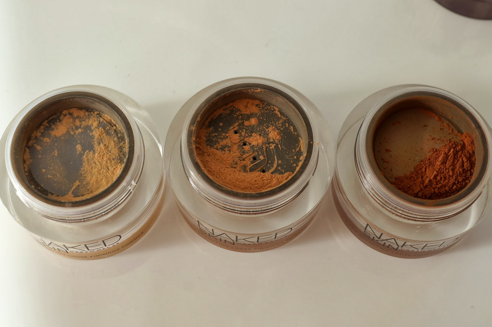 Naked Ultra Definition Loose Finishing Powders
