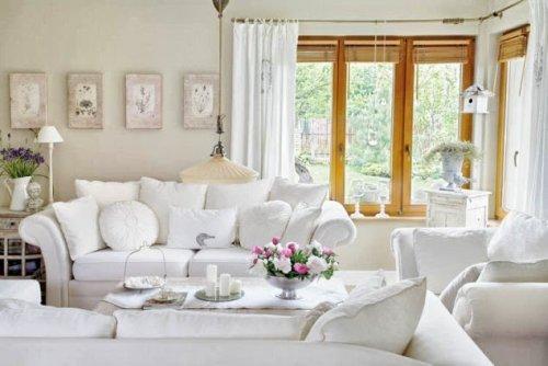 Romantica casa de estilo frances oasisingular for Sofa estilo romantico
