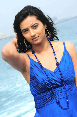 Actress Isha chawla Hot Stills