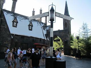 Wizarding World of Harry Potter Hogsmeade Hogwarts