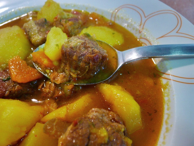Con aroma a caserito estofado de patatas con costillas de - Patatas con costillas de cerdo ...