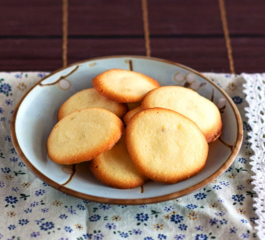 Langue de Chat (Cat Tongue Cookies)