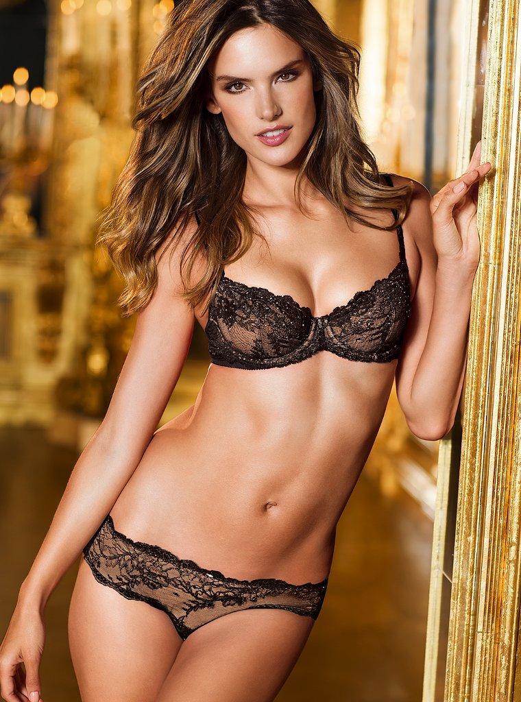 Alessandra Ambrosio Victoria's Secret Fantasy Bra ...