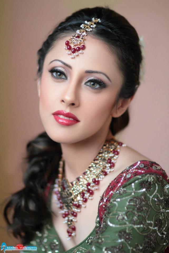 Models Accessories Ainy Jaffri