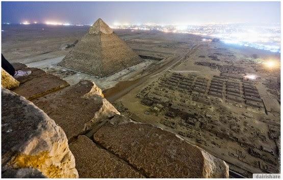 Gambar Dari Puncak Piramit Yang Di Ambil Secara Rahsia