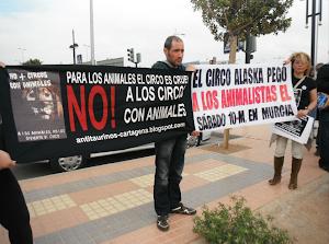 Crónica del acto frente al Circo Alaska en Cartagena: (17-3-2012)