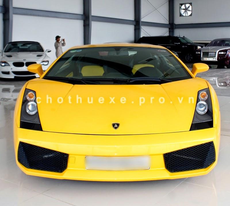 Cho thuê siêu xe Lamborghini Gallardo vàng 2 chỗ