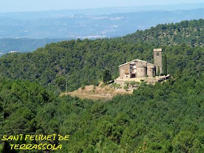 L'església de Sant Feliuet en el cim d'un petit turó vist des de la cota 800 una vegada passada la Caseta del Guarda