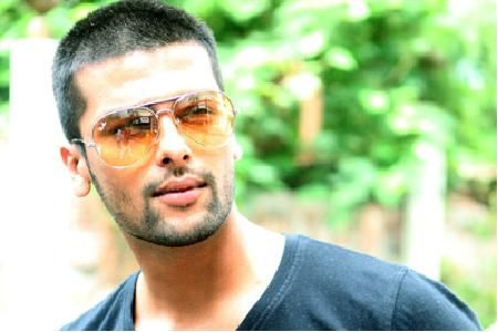 Sunaina Roshan Says  Congo  To Kushal Tandon
