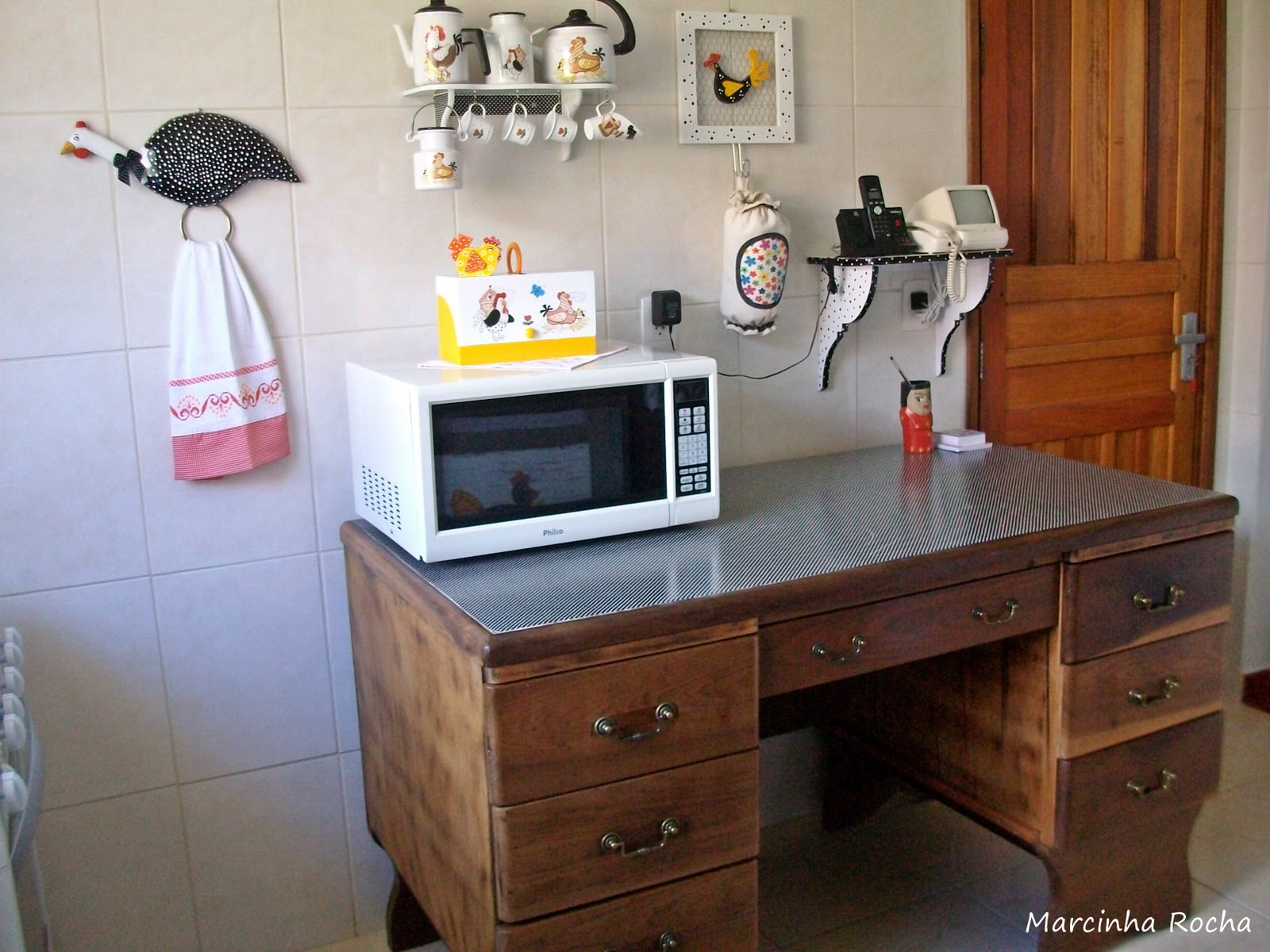 de armário antigo em cristaleira na cozinha mineira! Jeito de  #6D3C23 1600x1200