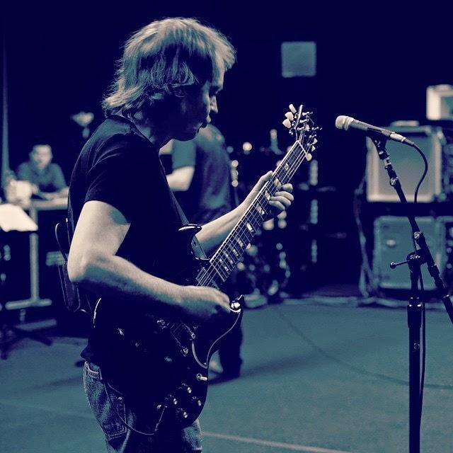 Acdc Grammys Rehearsal Angus Promofb 15 Grammy Awards