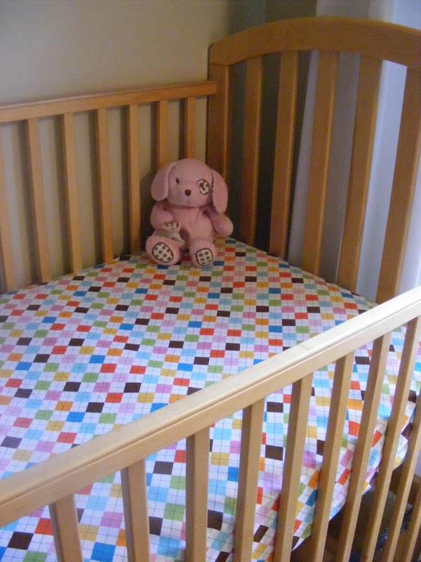 Fabulous  Tutorial Easy DIY Crib Sheets